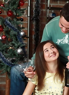 xxx pics Celebrating the xmas with a huge, hardcore , anal